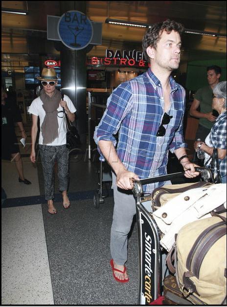 Joshua Jackson y Diane Kruger de vuelta en USA (Junio 2012) 2310