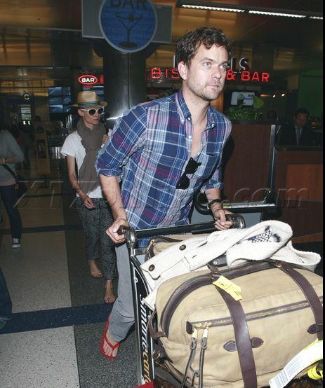 Joshua Jackson y Diane Kruger de vuelta en USA (Junio 2012) 2410