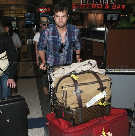 Joshua Jackson y Diane Kruger de vuelta en USA (Junio 2012) 2610