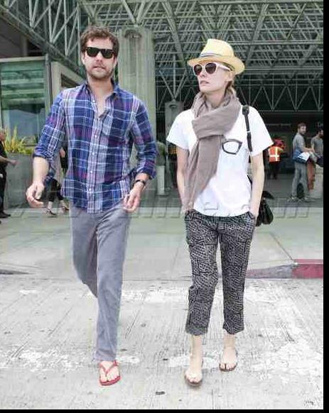 Joshua Jackson y Diane Kruger de vuelta en USA (Junio 2012) 812