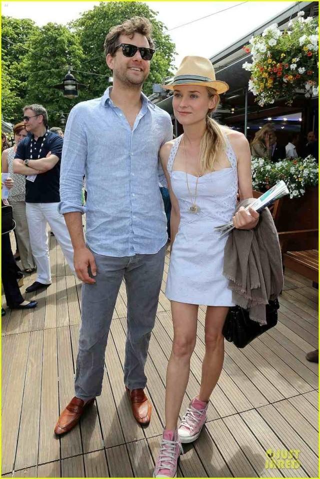 Joshua Jackson (y Diane Kruger) en el torneo de tenis Roland Garros Diane-27