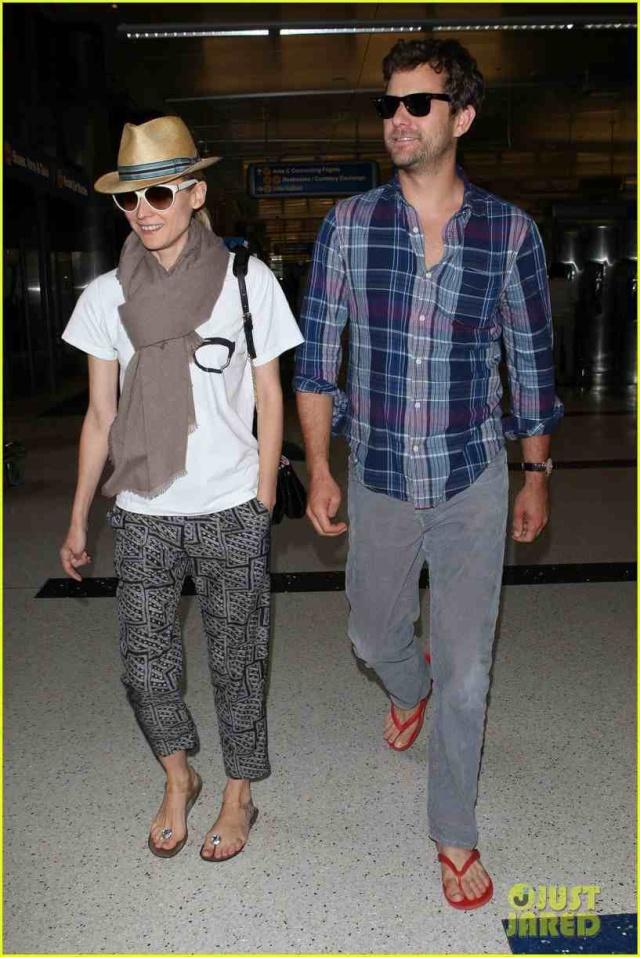 Joshua Jackson y Diane Kruger de vuelta en USA (Junio 2012) Diane-40