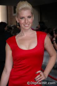 Ari Graynor es Rachel Dunham- Blake Images33