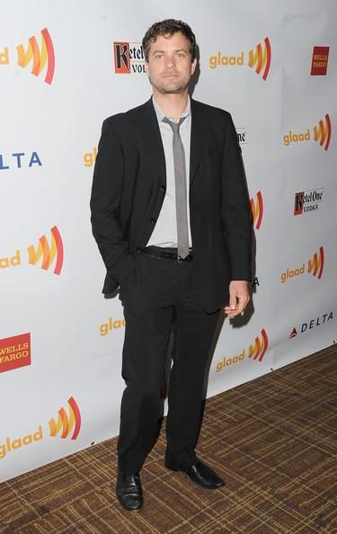 Joshua Jackson en la 23 edición de los premios GLAAD Media Awards in Los Angeles Joshua11