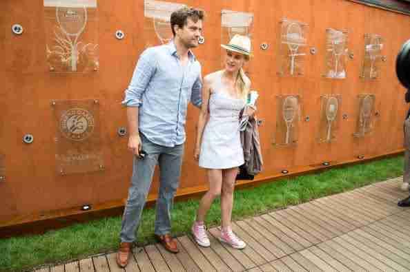 Joshua Jackson (y Diane Kruger) en el torneo de tenis Roland Garros T5m77l10