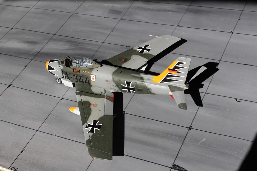 NORTH AMERICAN F-86F-40 ou CANADAIR MK VI North_36