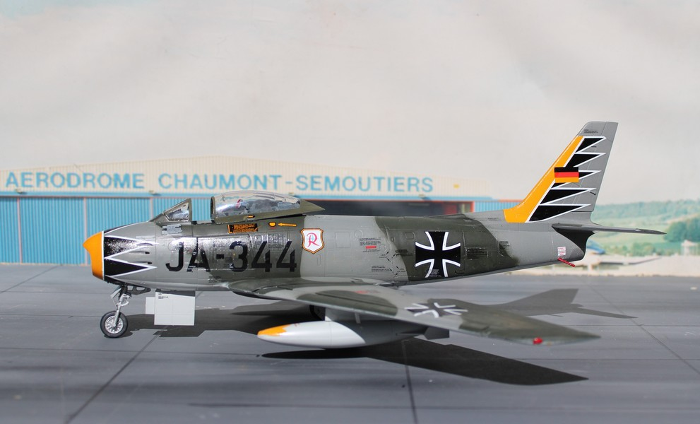 NORTH AMERICAN F-86F-40 ou CANADAIR MK VI North_41