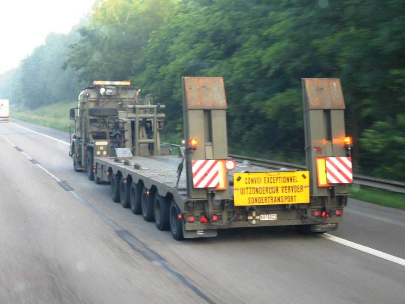 Véhicule de l'armée belge Papy_348