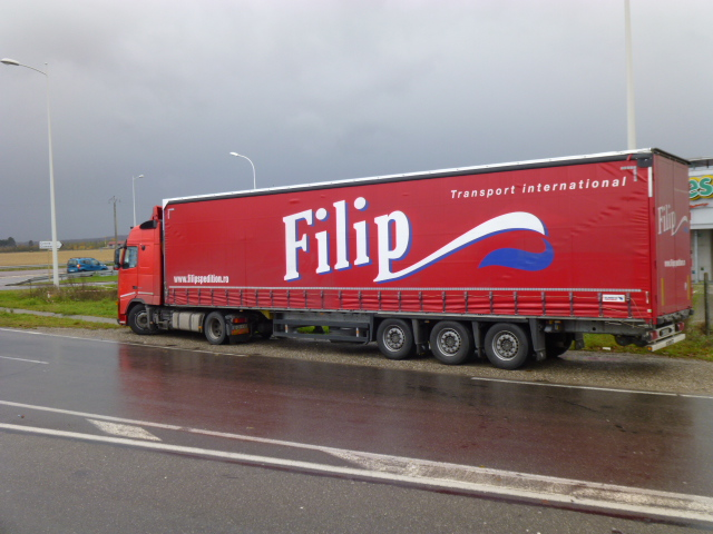 Filip  (Arad) Papy_737