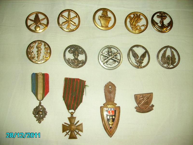 insignes et médailles + mon petit momo Imgp0110