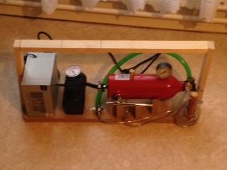Mes leurres en bois fabrication maison, compresseur, cabine. Compre14