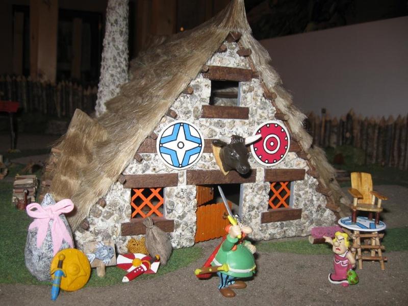 Le Village d'Astérix le Gaulois en maquette au 1/40 - Page 2 Abrara10