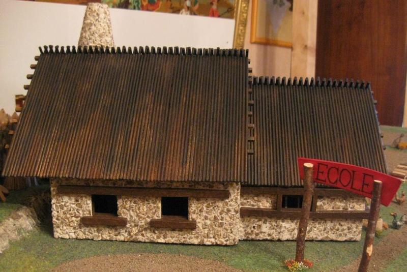 Le Village d'Astérix le Gaulois en maquette au 1/40 - Page 4 Deboit15