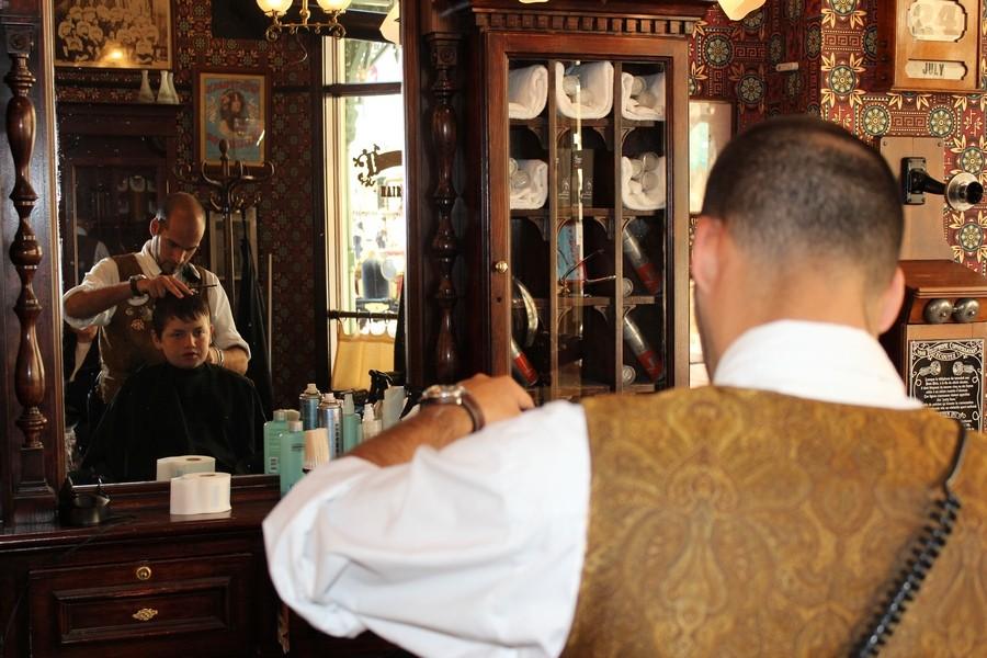 Dapper Dan's Hair Cuts - bientôt Liberty Barber Shop [Main Street, U.S.A. - 1992] - Page 8 43310