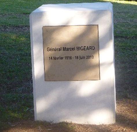 général BIGEARD , FREJUS 2012 Ststs10
