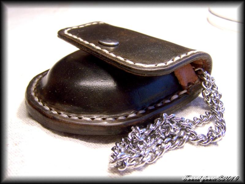 Accessoires en cuir pour le rasage - Page 30 100_6149
