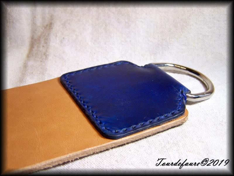 Accessoires en cuir pour le rasage - Page 28 100_6713