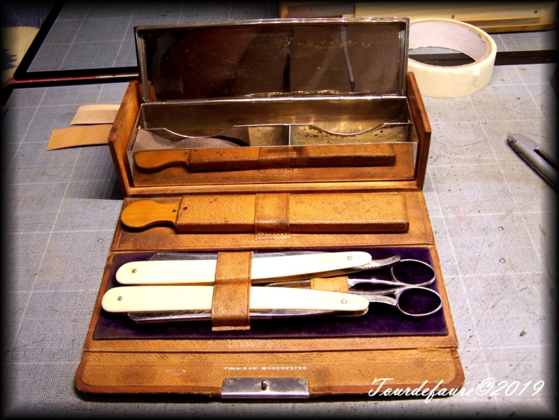 Accessoires en cuir pour le rasage - Page 29 100_6915