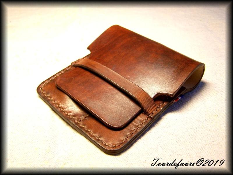Accessoires en cuir pour le rasage - Page 30 100_7013