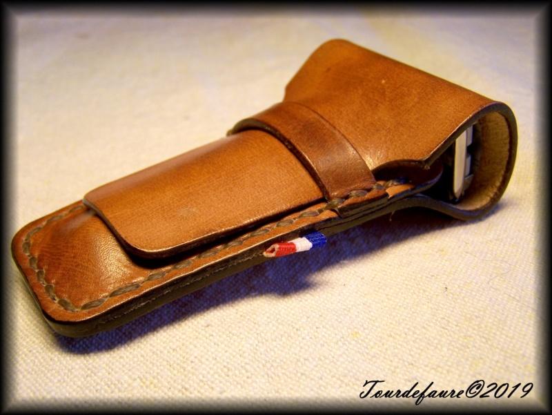 Accessoires en cuir pour le rasage - Page 29 100_7017