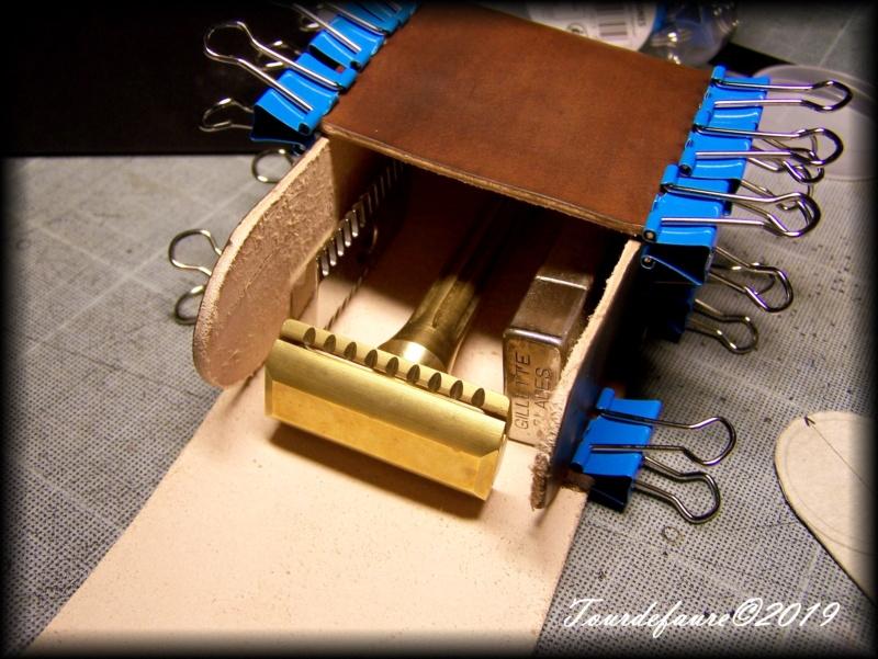 Accessoires en cuir pour le rasage - Page 30 100_7029