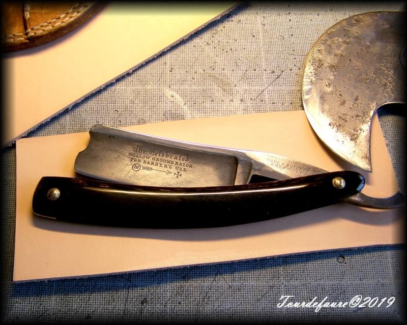 Accessoires en cuir pour le rasage - Page 31 100_7128
