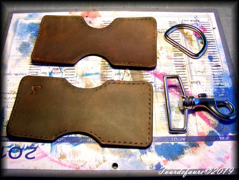 Accessoires en cuir pour le rasage - Page 33 100_7213
