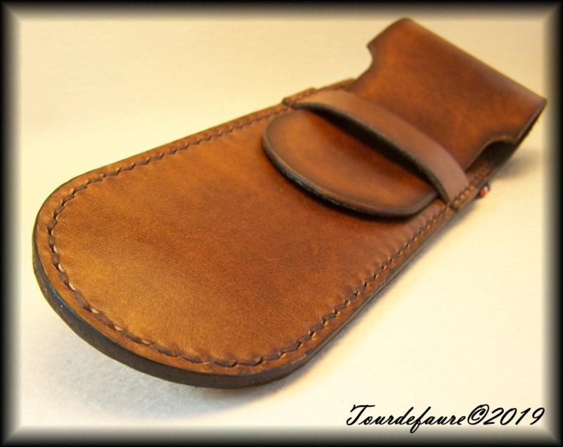 Accessoires en cuir pour le rasage - Page 33 100_7221