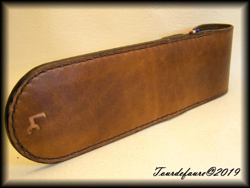Accessoires en cuir pour le rasage - Page 33 100_7222