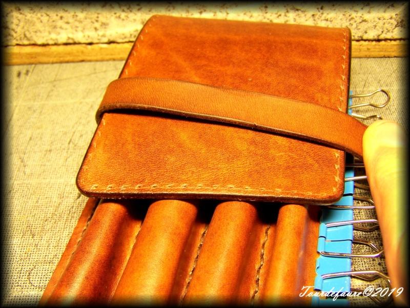 Accessoires en cuir pour le rasage - Page 33 100_7230