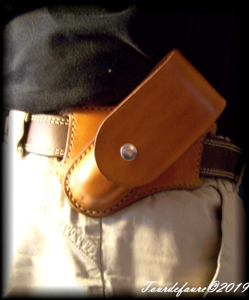 Accessoires en cuir pour le rasage - Page 33 100_7232