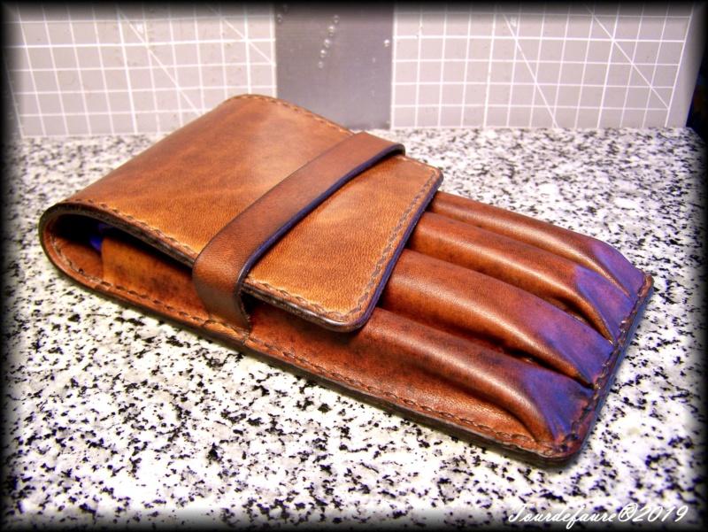 Accessoires en cuir pour le rasage - Page 33 100_7236