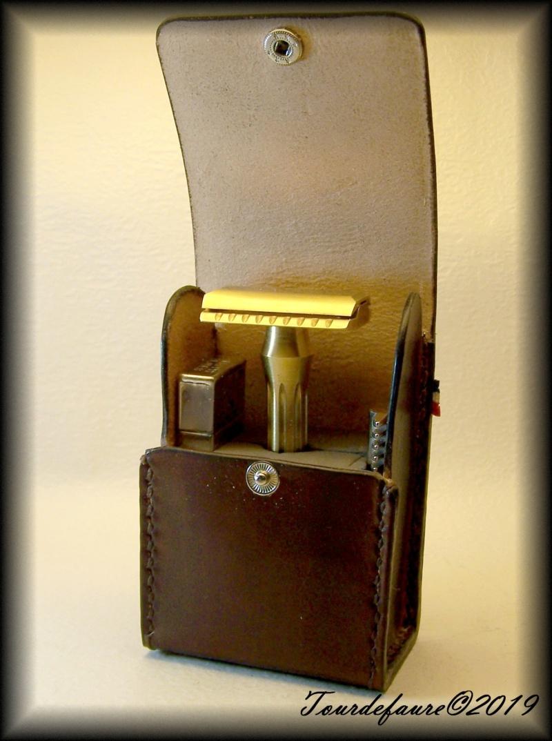 Accessoires en cuir pour le rasage - Page 30 25_210