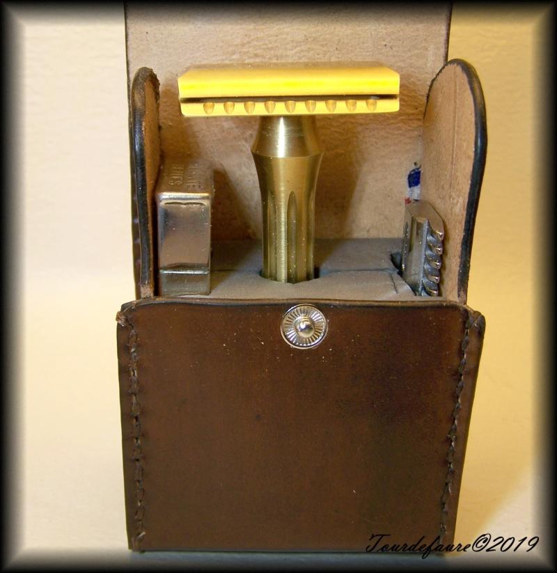 Accessoires en cuir pour le rasage - Page 30 25_310
