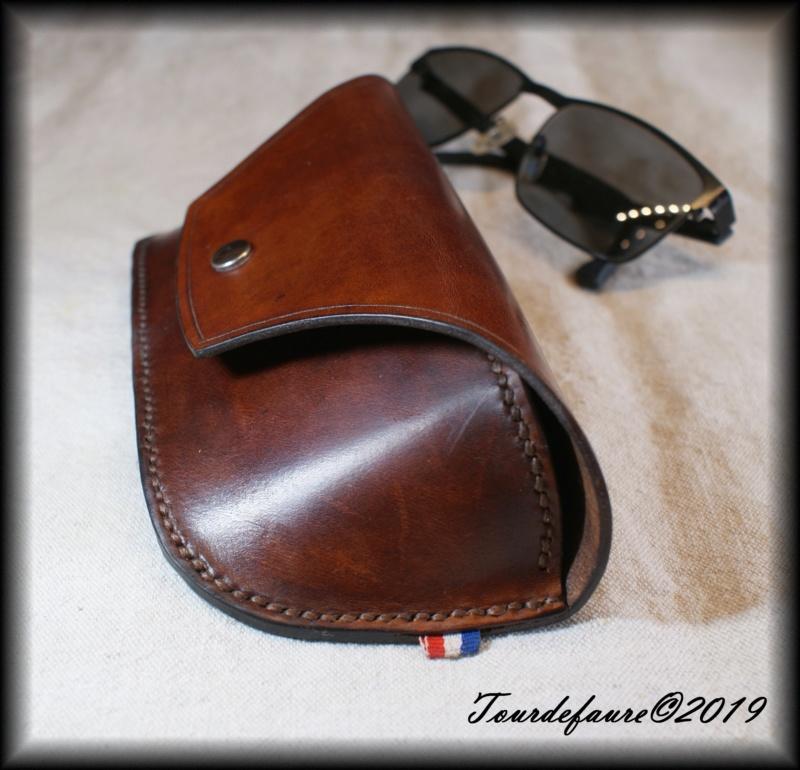 Accessoires en cuir pour le rasage - Page 28 Dsc00013