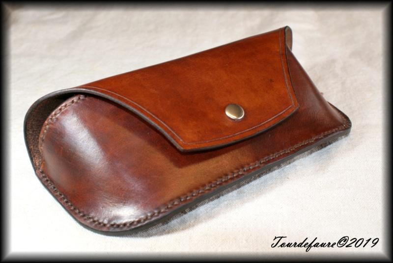 Accessoires en cuir pour le rasage - Page 28 Dsc00015