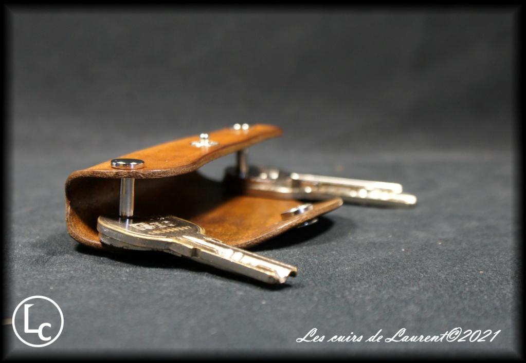 Les cuirs de Laurent - Page 14 Dsc00122