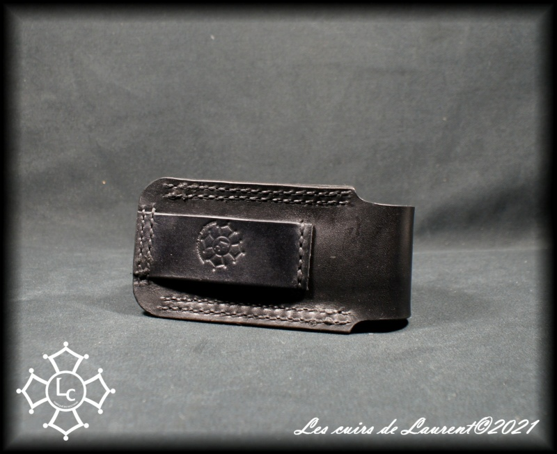 Les cuirs de Laurent - Page 20 Dsc00512