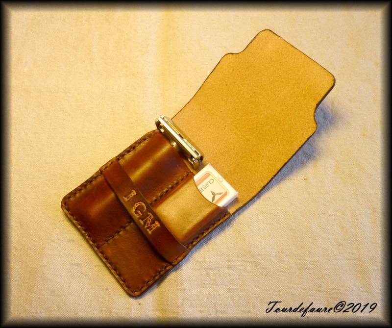 Accessoires en cuir pour le rasage - Page 30 P1310511