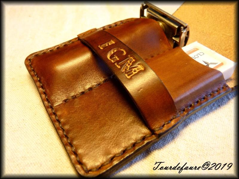 Accessoires en cuir pour le rasage - Page 30 P1310514