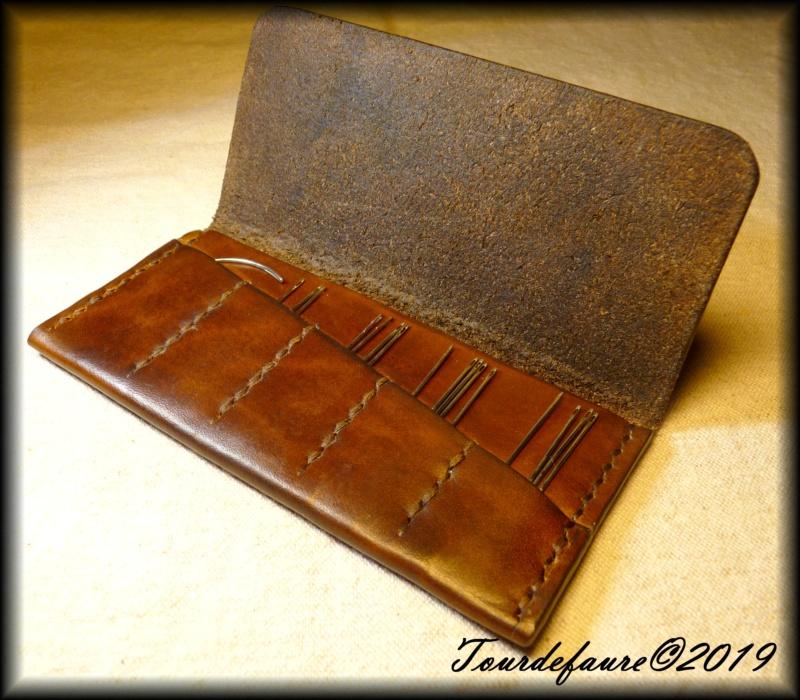 Accessoires en cuir pour le rasage - Page 30 P1310518