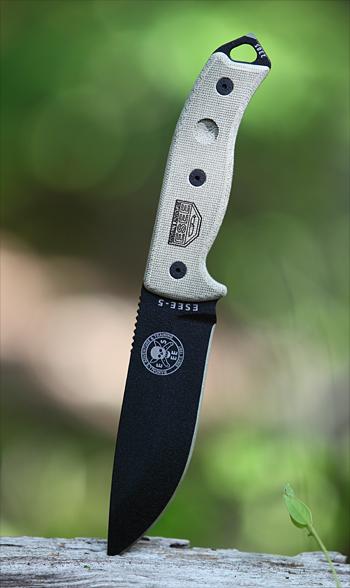 [discussion libre sur les couteaux] Autour des couteaux outdoor 503-es10