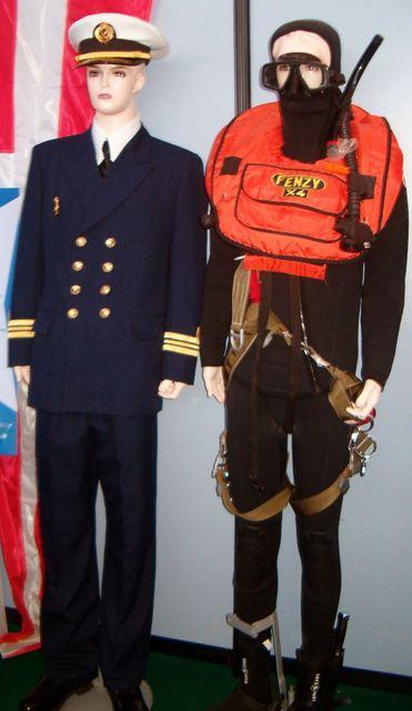 Tenues et uniformes de la Marine Royale: Offici10