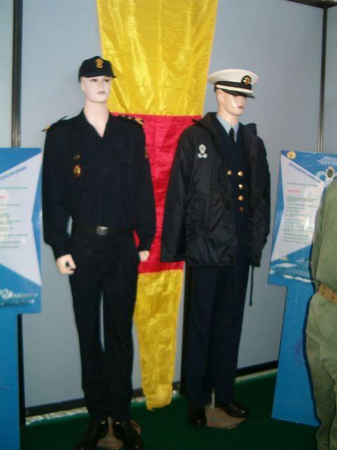 Tenues et uniformes de la Marine Royale: Tenues10