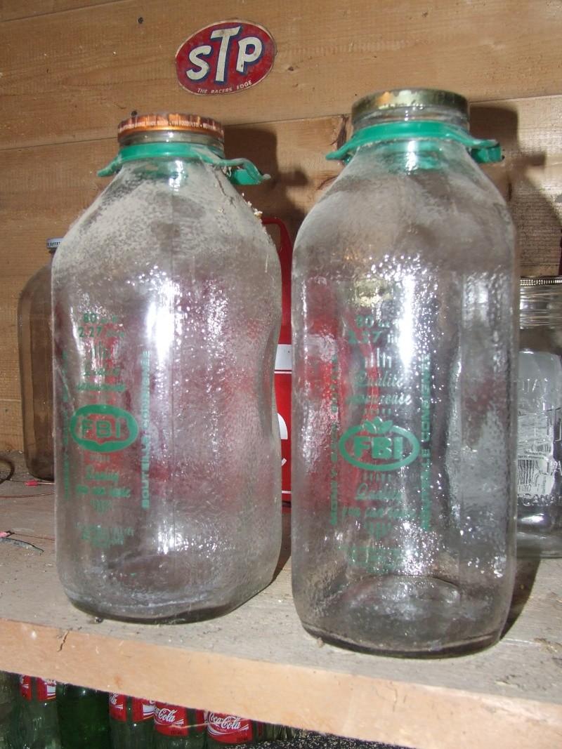 Deux belle bouteille (cruche) 80 onces FBI Dscf5420