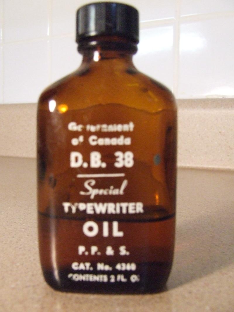 Petite bouteille d'huile Dscf5421