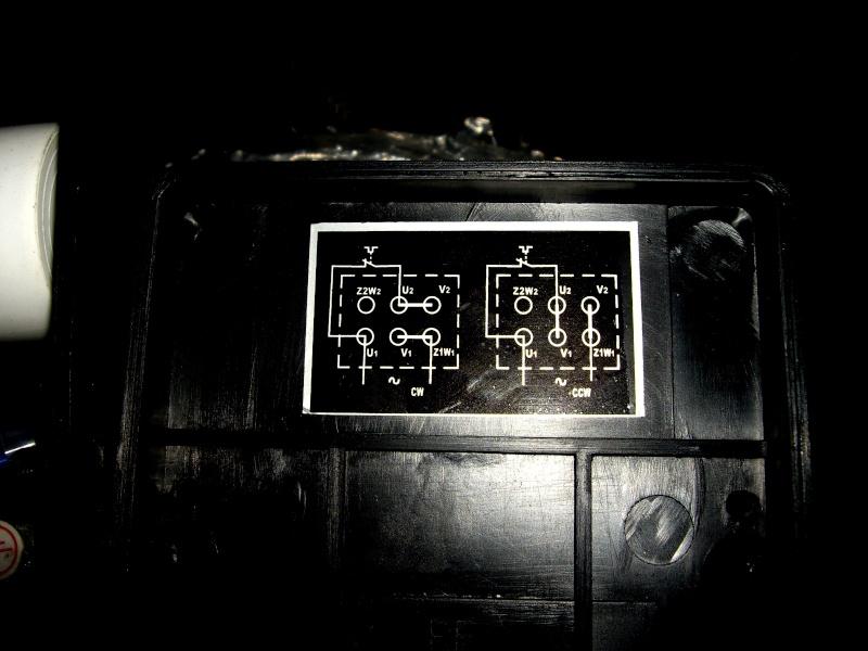 bonjour je voudrais avoir un schema pour brancher un moteur 220V mono avec duex sens de rotation Imgp2011