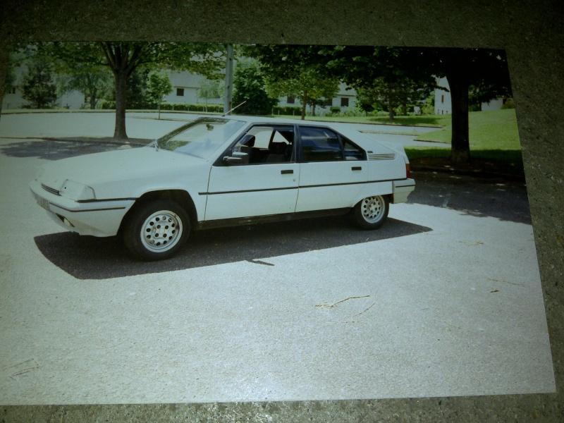 Photos de quelques anciennes............voitures! - Page 5 Img-2032