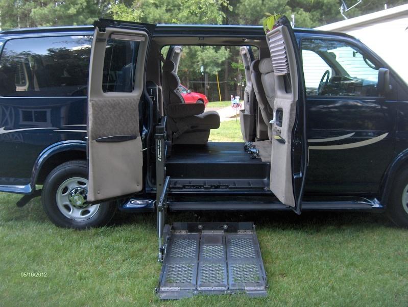 2008 Chevy 2500HD Express Wheelchair Van Hpim2612