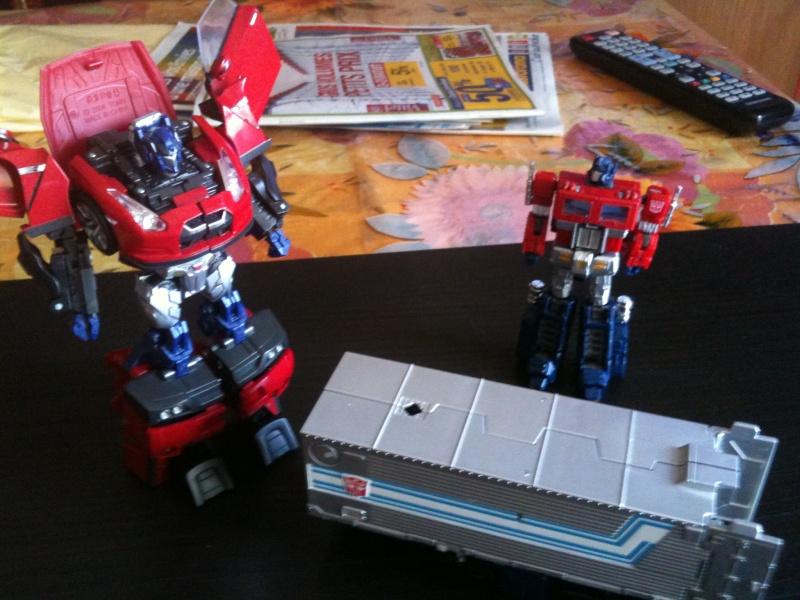 Vos montages photos Transformers ― Vos Batailles/Guerres | Humoristiques | Vos modes Stealth Force | etc - Page 3 Img_0947